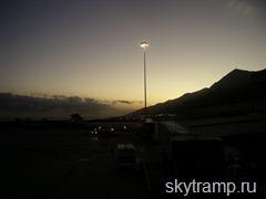 Caracas_airport_tonight