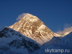 160 Sunset, Everest